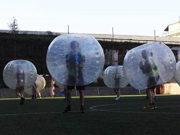 Buborékfoci bérlés kültéri pályán